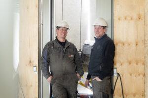 Nieuwbouwmonteurs Nick en Hendrik